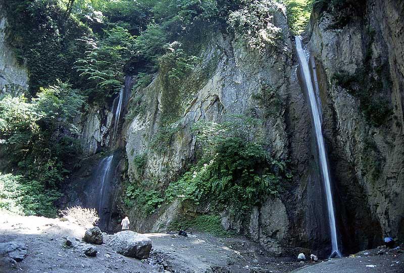 http://nematdna.persiangig.com/01_Vychodni_Elborz-vodopody_v_Nahar_Choran.jpg